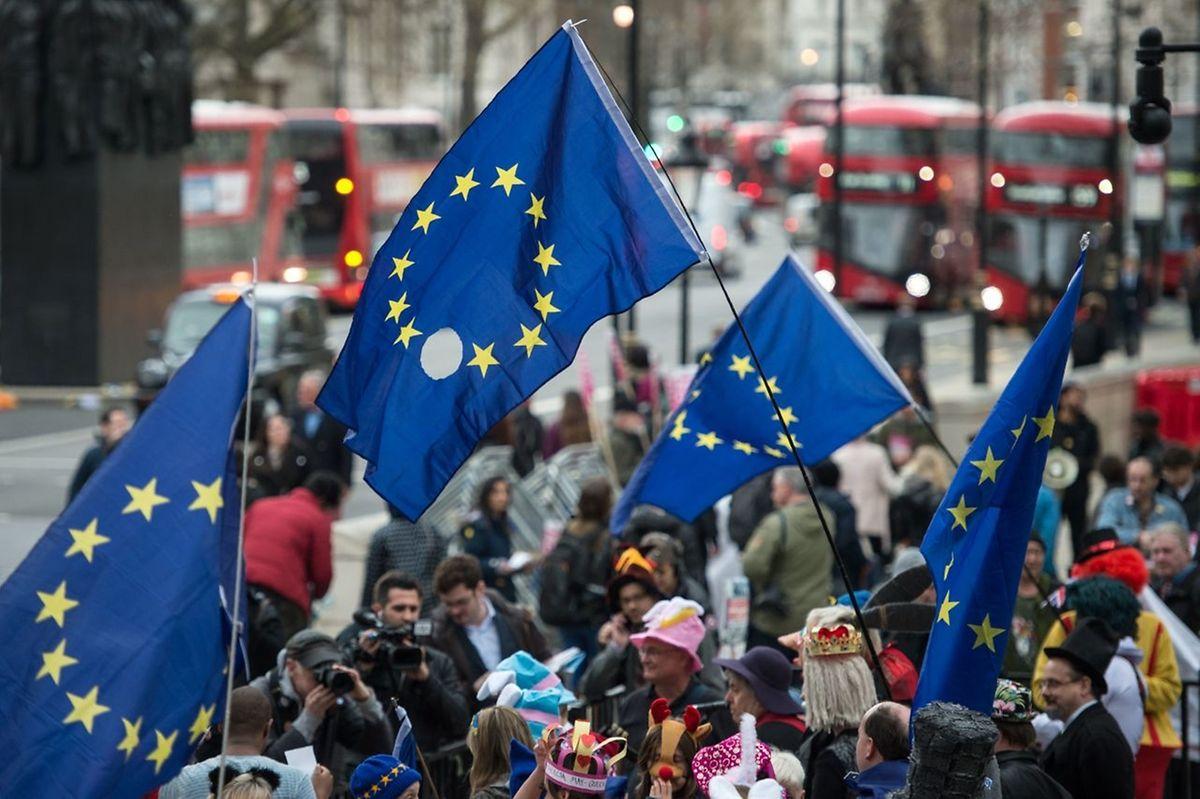 3,2 Millionen EU-Bürger in Großbritannien und eine Million Briten in EU-Ländern sind beunruhigt.