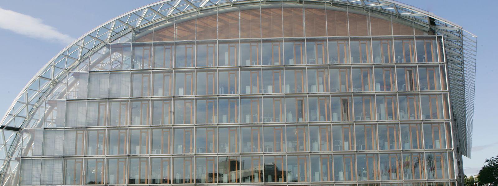 Die Europäische Investitionsbank (EIB) mit Sitz in Luxemburg betreibt Wirtschaftspolitik durch Kreditvergabe.