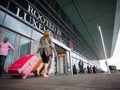 Le syndicat Aviation civile de l'OGBL dénonce un gros malaise dans la gestion du personnel chez lux-Airport. Le ministre François Bausch veut d'abord faire vérifier ces dires.