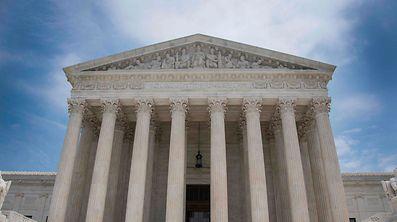 Der oberste Gerichtshof in Washington erklärte Trumps Einreiseverbot für zum Teil zulässig.