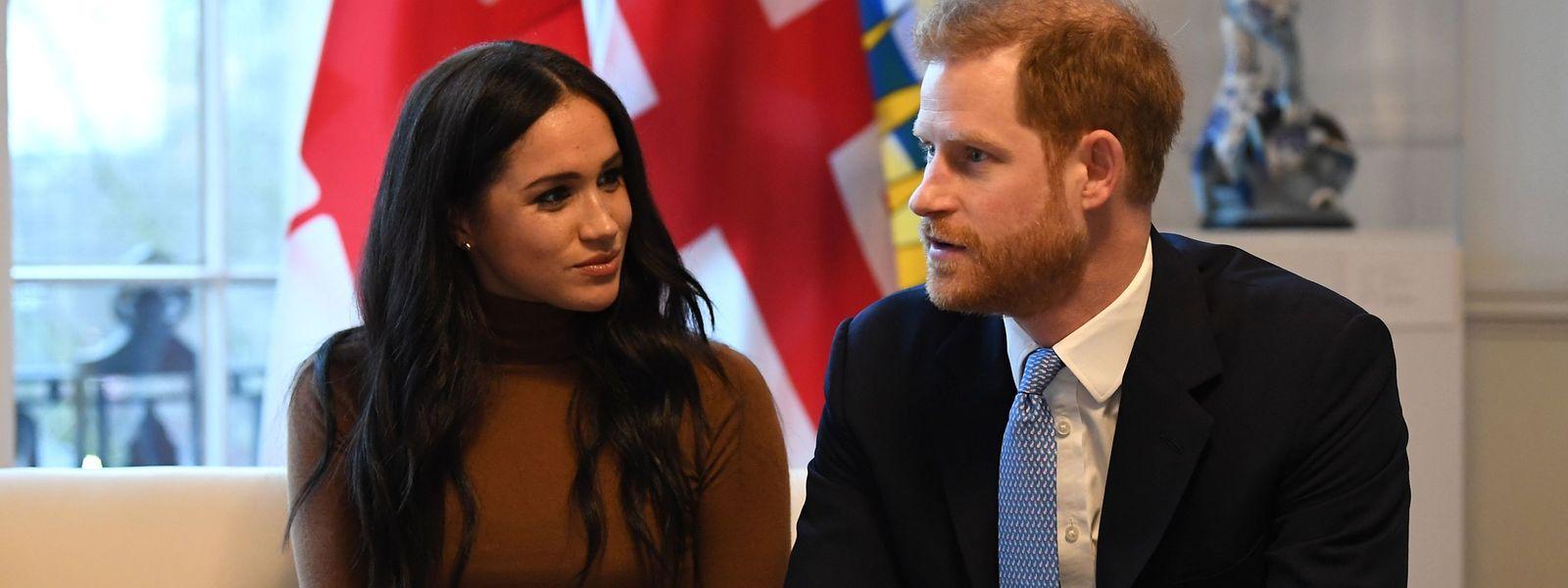 Der britische Prinz Harry und seine Ehefrau Meghan bei einem Termin am Dienstag im Kanada-Haus in London.