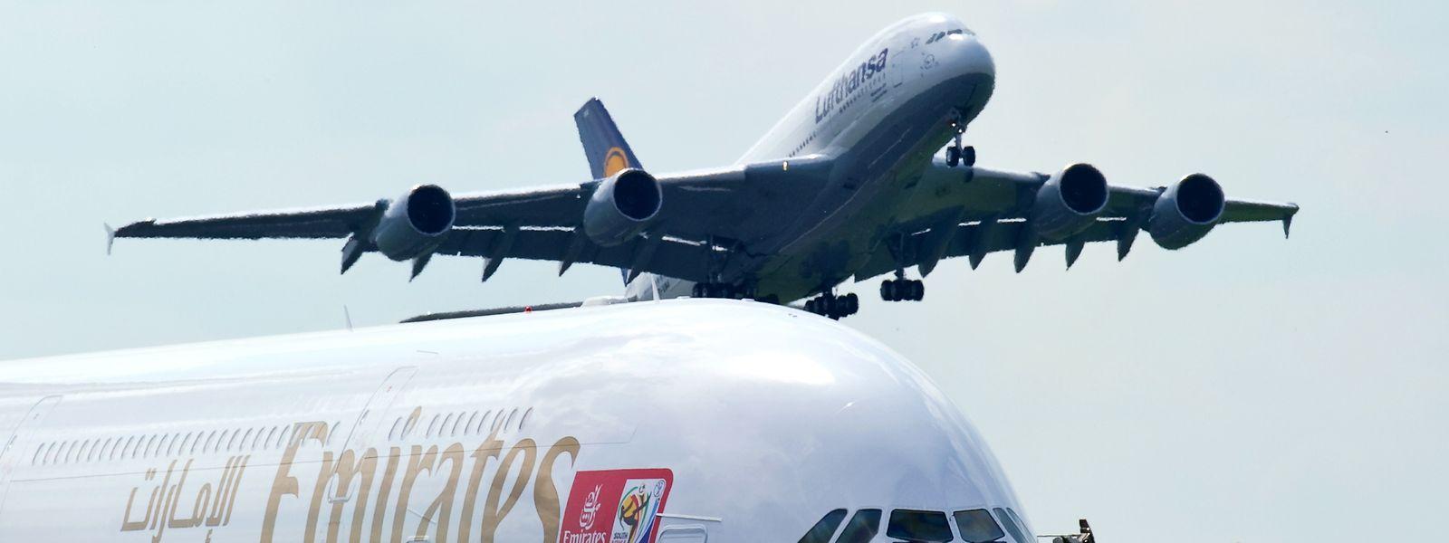 Der A380 kann auf zwei Decks bis zu 850 Passagiere befördern.