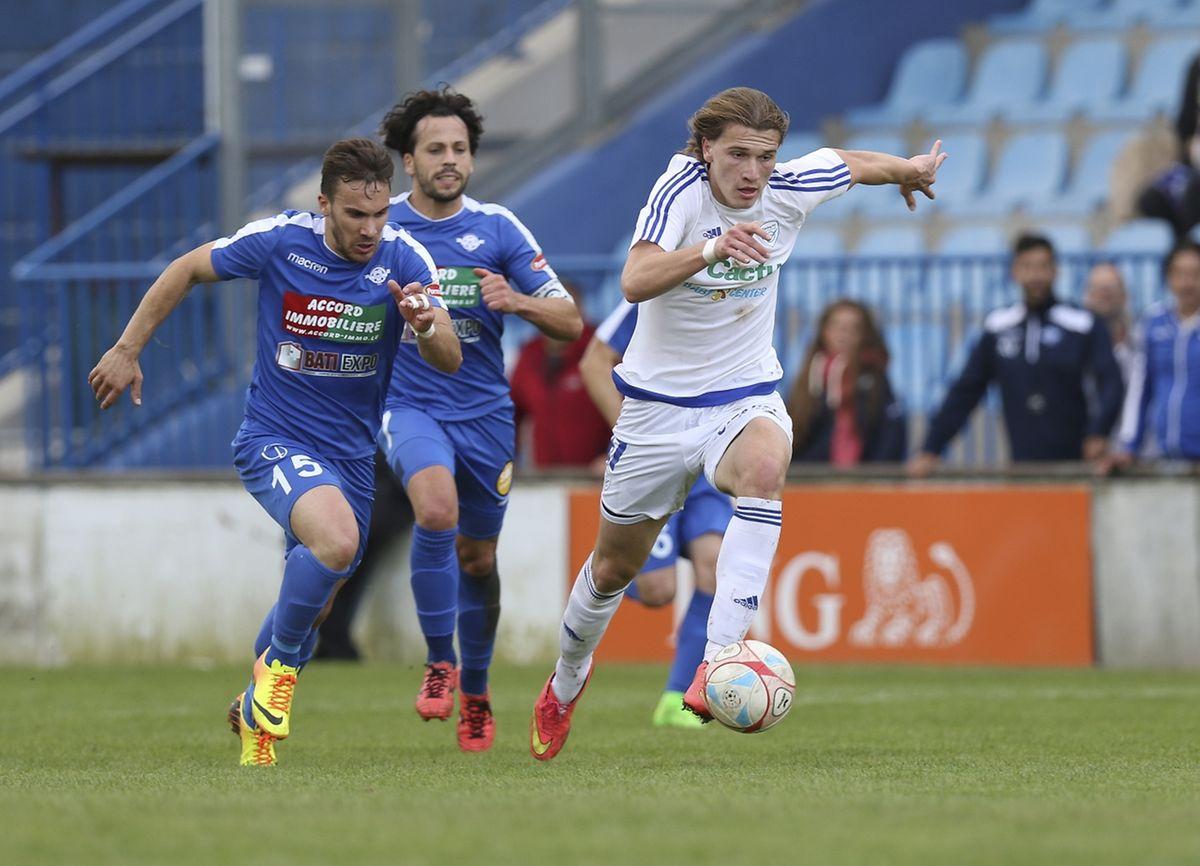 Florik Shala a inscrit les deux buts du Racing sur penalty.