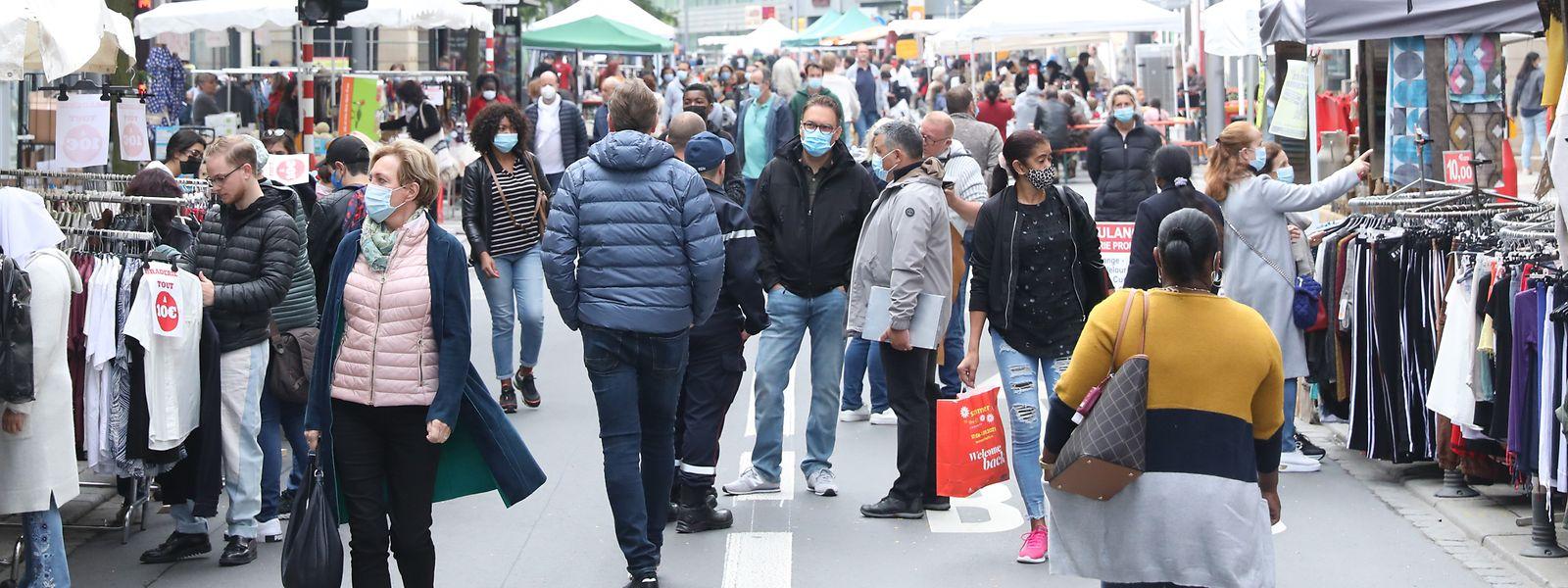 Die Coronakrise wirkt sich auch auf das Stadtbild aus - das konnten Braderie-Besucher am Montag sehen.