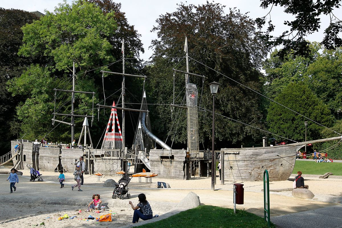 The pirate ship children's park in Luxembourg City Photo: Serge Waldbillig