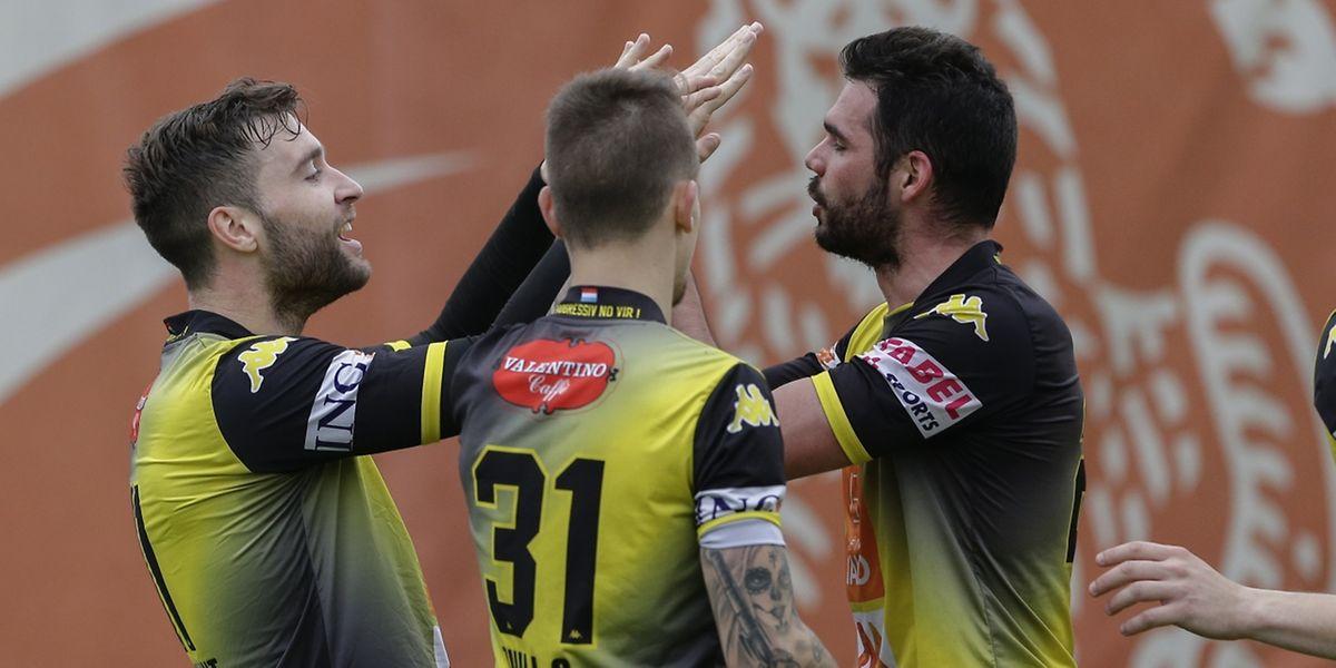 Rémy Laurent, à gauche,  et Alexis Lafon , qui entourent, - Sébastien Thill, ont tous les deux fait fructifier leur capital buts.