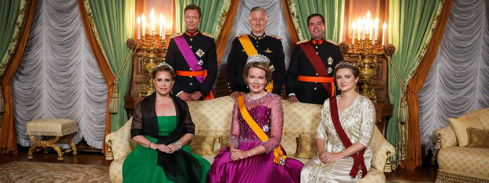 Großherzogin Maria Teresa trug bei dem Galadinner im Palais am Mittwochabend als einzige keine Schärpe.