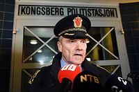 """�yvind Aas, head of the operations unit in the Buskerud police, talks to the press at the scene where a man armed with bow killed several people before he was arrested by police in Kongsberg, Norway on October 13, 2021. - A man armed with a bow and arrows killed several people and wounded others in the southeastern town of Kongsberg in Norway on October 13, 2021, police said, adding they had arrested the suspect. """"We can unfortunately confirm that there are several injured and also unfortunately several killed in this episode,"""" local police official Oyvind Aas told a news conference. """"The man who committed this act has been arrested by the police and, according to our information, there is only one person involved."""" (Photo by Terje Pedersen / NTB / AFP) / Norway OUT"""