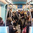 Von Montag bis Freitag verkehrt die Tram tagsüber alle sechs Minuten.