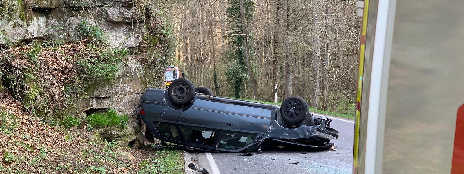 Ein Auto überschlug sich am Freitagmorgen.