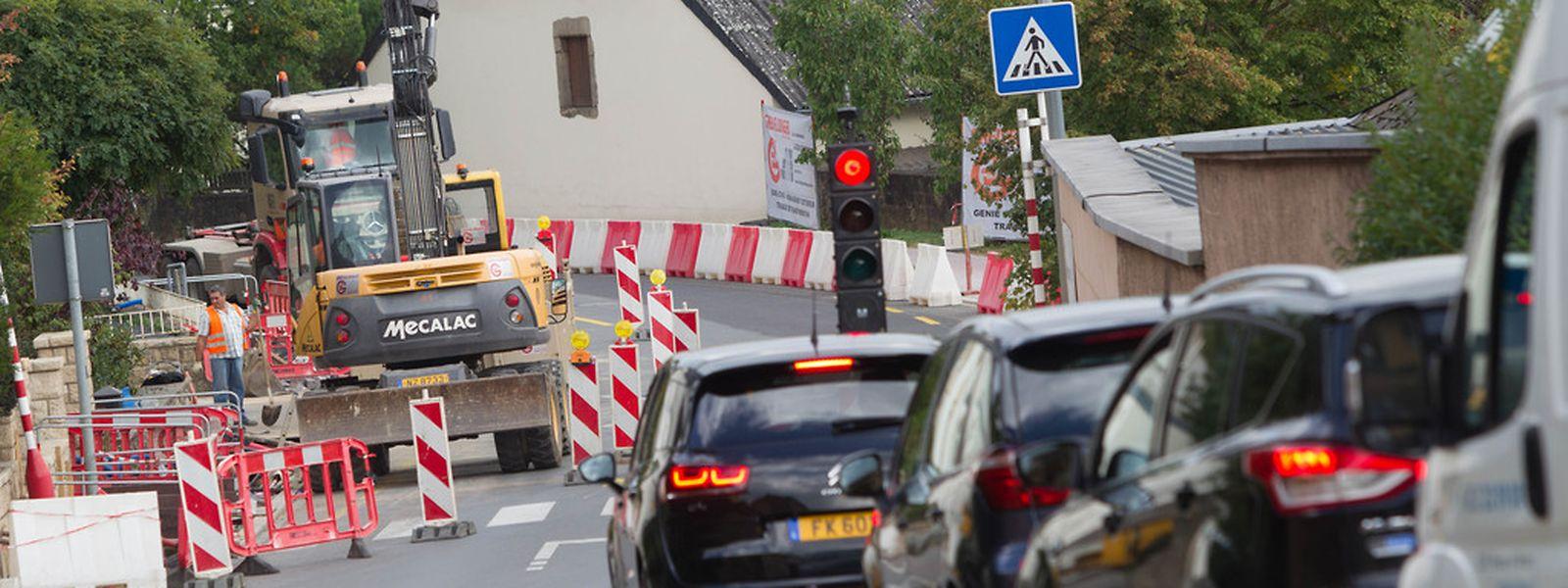 Die provisorischen Verkehrsampeln stellen Autofahrer auf eine herbe Geduldsprobe.