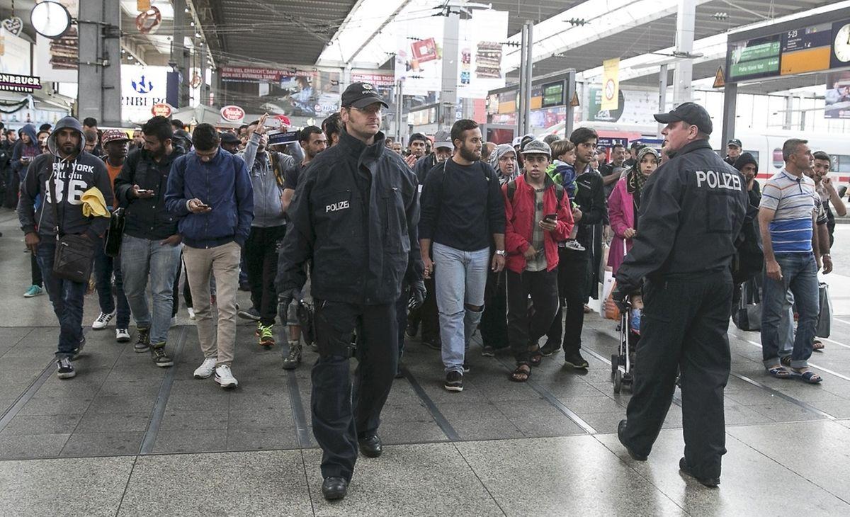 Am Samstag kamen die ersten Züge aus Ungarn in München an.
