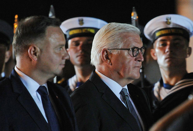 Bundespräsident Frank-Walter Steinmeier (r.) und sein polnischer Amstkollege Andrzej Duda bei der Gedenkzeremonie.