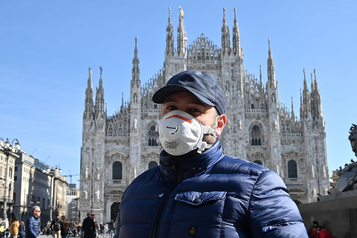Gewohntes Bild in Mailand: In Norditalien sind Gesichtsmasken zur begehrten Ware geworden.