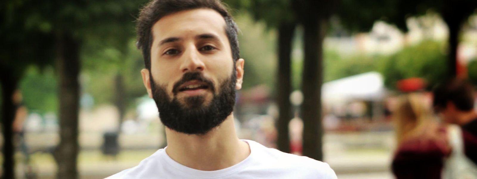 Obwohl er massiv angefeindet wird, organisiert Hassan Geuad weiter Aktionen gegen den Terror.