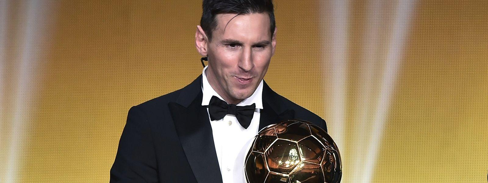 Lionel Messi com o seu quinto troféu