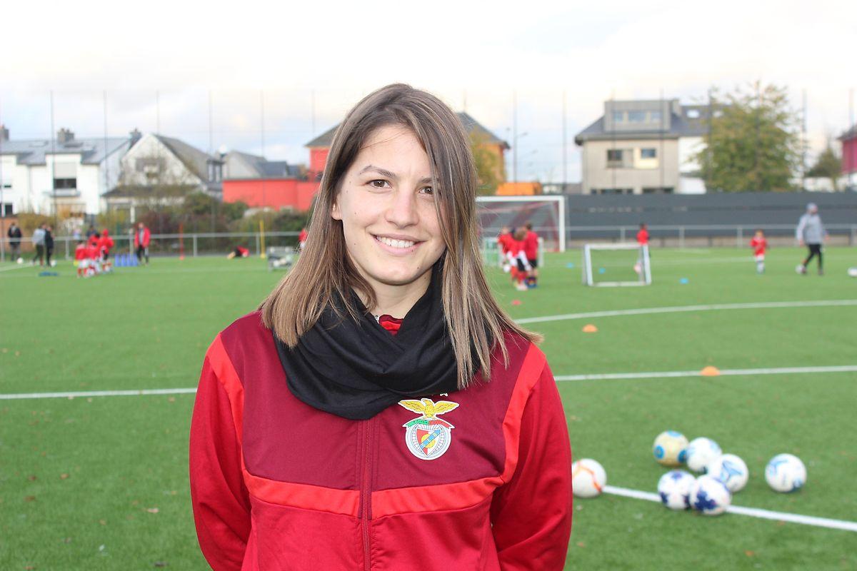 Verónica Gonçalves, a treinadora que trocou Trás-os-Montes pela Escola do Benfica no Luxemburgo.