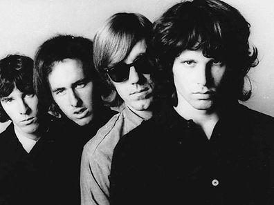 (Da esquerda para a direita) The-Doors: John Densmore, Robbie-Krieger, Ray Manzarek e Jim Morrison