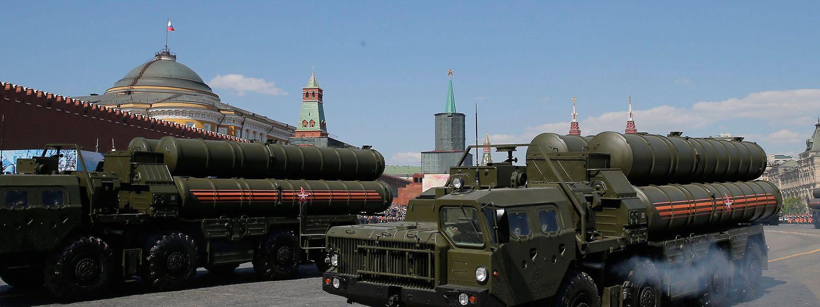 Das Flugabwehrsystem S-400 während einer Militärparade auf dem Roten Platz.