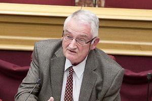 Charles Hoffmann bei seiner Vernehmung vor der Enquête-Kommission.