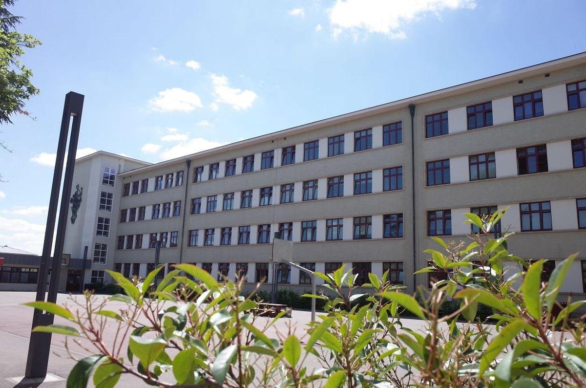 Im Pausenhof des Victor Hugo-Gebäudes sind drei Modulbauten vorgesehen.