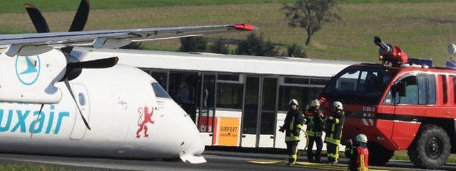 Bauchlandung: Die Maschine der Luxair kam nach dem abgebrochenen Start auf der Startbahn in Saarbrücken auf. Glücklicherweise brach kein Feuer aus.