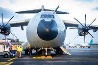 Cérémonie d'accueil de l'avion de transport A400M à l'aéroport du Findel - Foto : Pierre Matgé/Luxemburger Wort