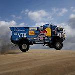 Piloto russo de camiões expulso do Dakar2019 por atropelar espetador e omitir auxílio