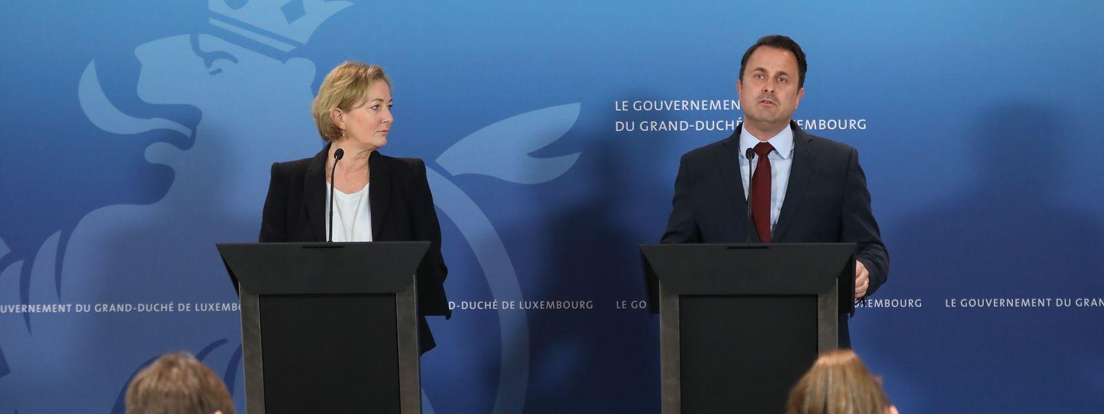 Entre le 16 et 29 mars, les crèches et tous les établissements scolaires seront fermés au Luxembourg pour limiter la propagation du virus, annonce jeudi soir Xavier Bettel et Paulette Lenert.