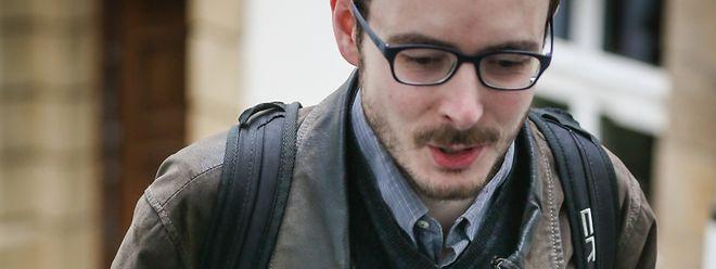"""""""Die Situation übersteigt komplett meine schmalen Schultern"""", schrieb Antoine am ersten Prozesstag auf Facebook."""
