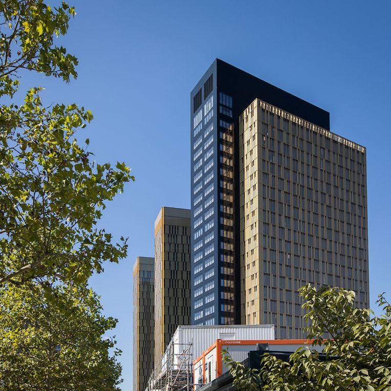 Die drei Türme des Europäischen Gerichtshofes: der dritte, zuletzt errichtete Goldturm mit schwarzem angebauten Teil, gilt mit 115 Metern derzeit als das höchste Gebäude Luxemburgs.
