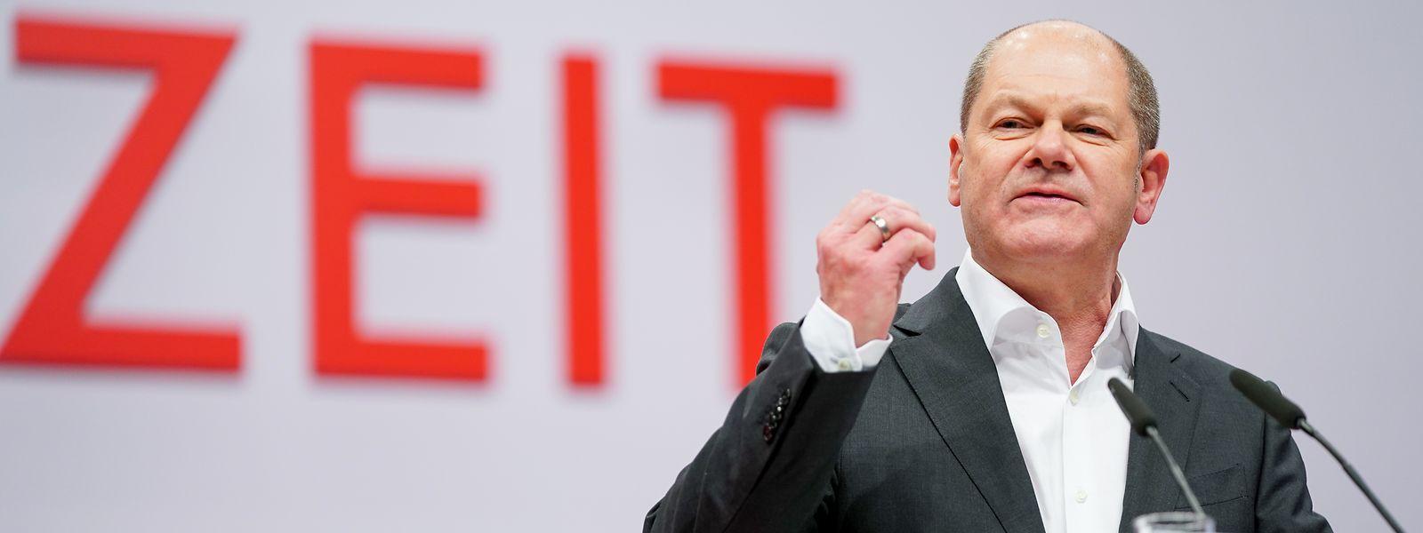 Olaf Scholz, stellvertretender Vorsitzender der SPD und Bundesminister der Finanzen, spricht beim SPD-Bundesparteitag.