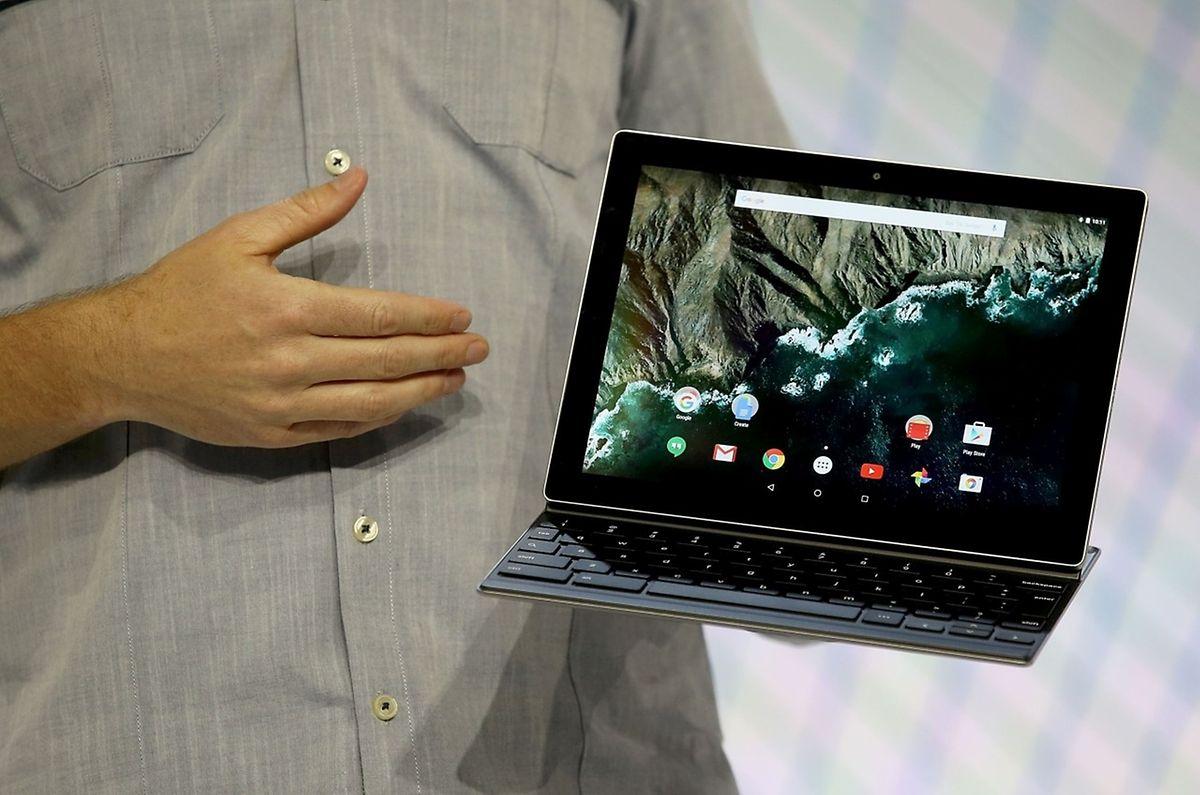 An das Tablet Pixel C kann eine Tastatur angeschlossen werden.