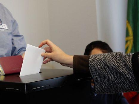 O PSD quer mudar as leis eleitorais para os emigrantes