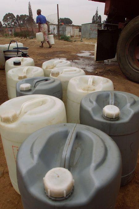 Der Afrikanische Nationalkongress hat es nicht fertig gebracht, seine Versprechen einzulösen und die Wasserversorgung der Südafrikaner zu verbessern.