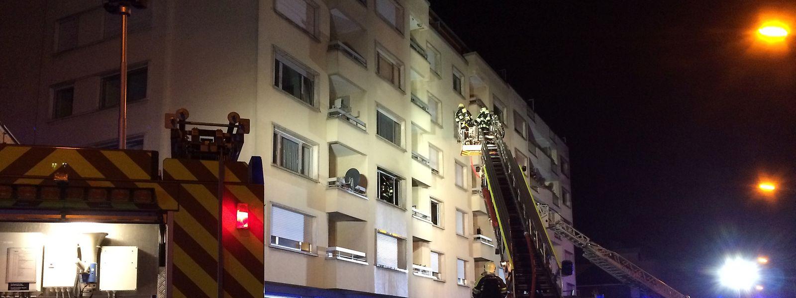 Der Brand war in einer Wohnung im zweiten Stock ausgebrochen.