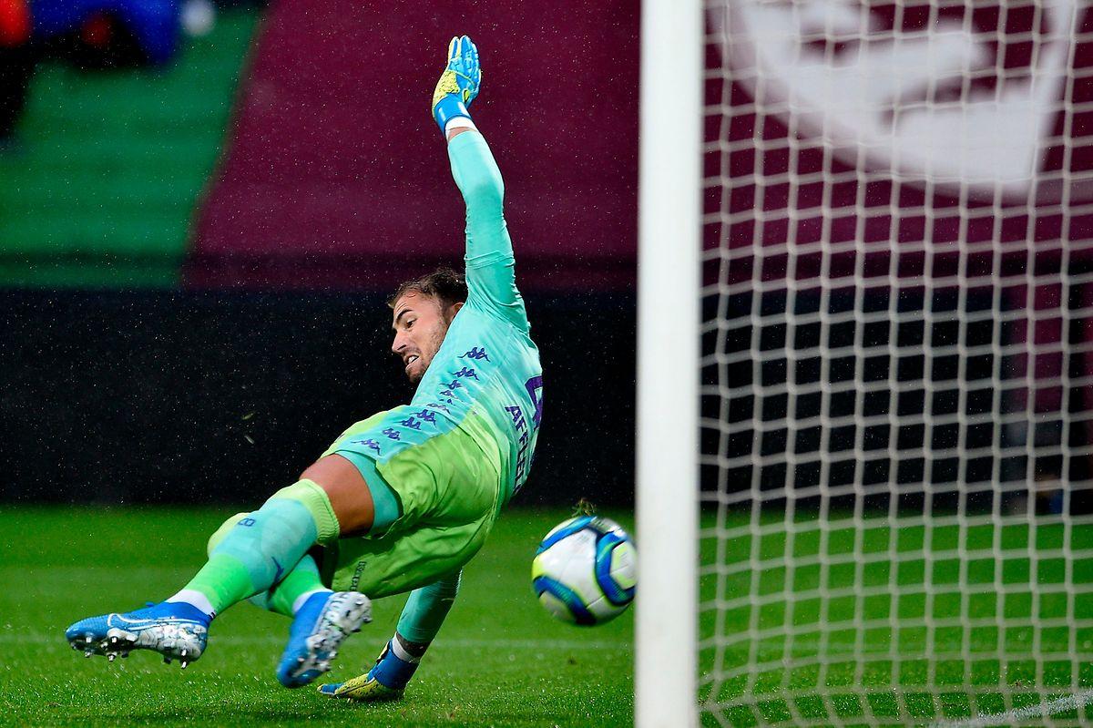 Benjamin Lecomte pris à contre-pied sur l'ouverture du score.