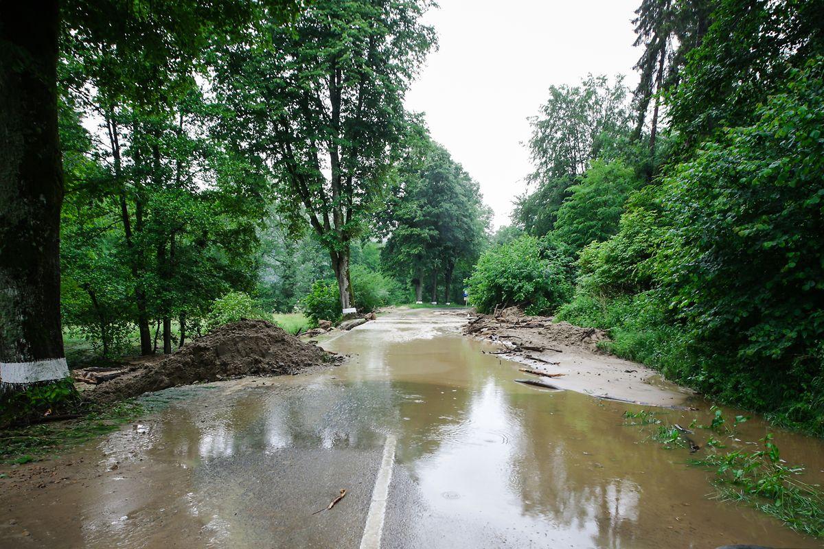 Überschwemmte Straßen und viel Schaden: Der Starkregen zum Abschluss des Frühjahrs hatte auch einen Einfluss auf die Saisonbilanz.