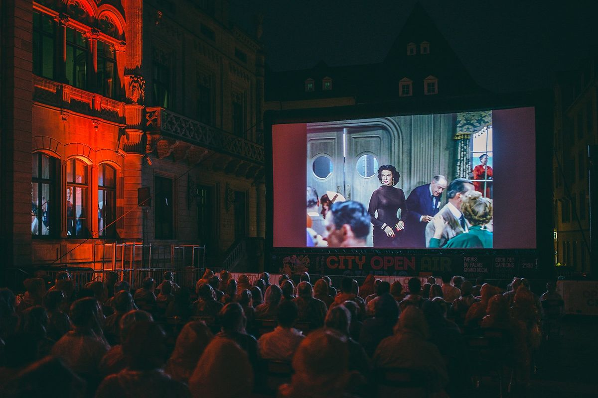 Le public devant le Palais lors de la dernière édition du festival en 2017.