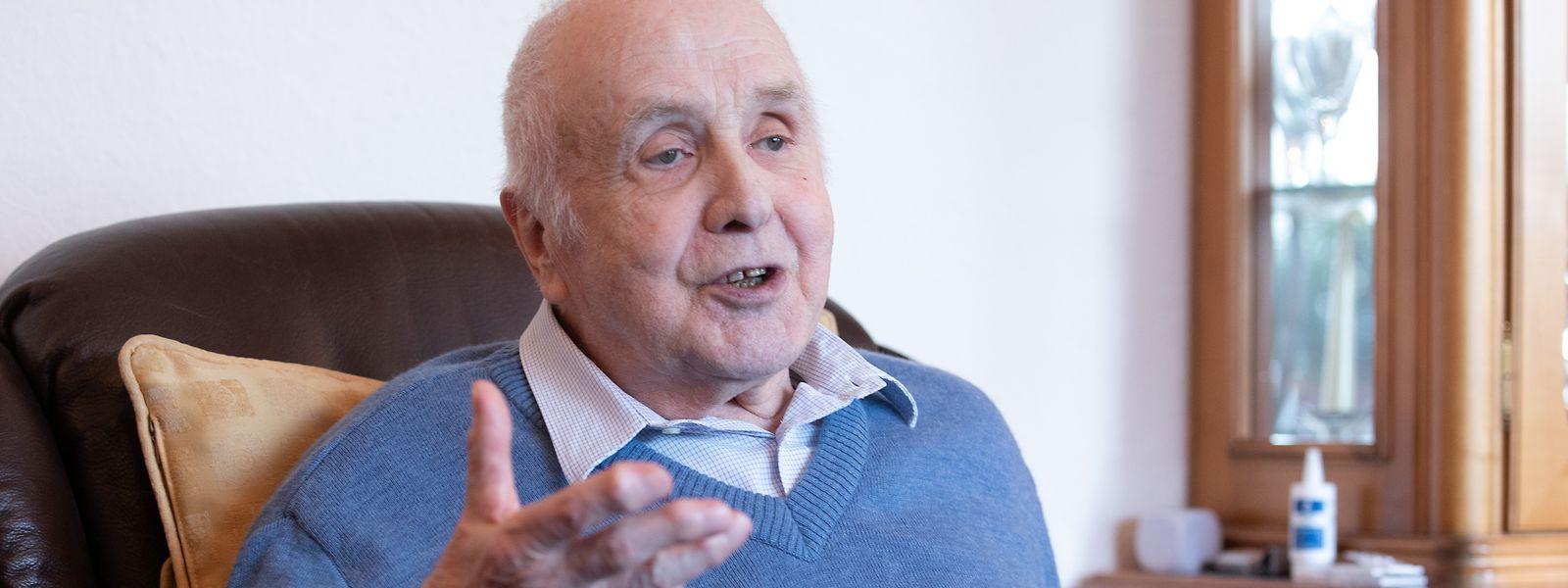 Erny Bernotte ist seit gut 20 Jahren pensioniert und lebt mit seiner Ehefrau Francine in Lintgen, an seine Armeezeit denkt er gerne zurück.