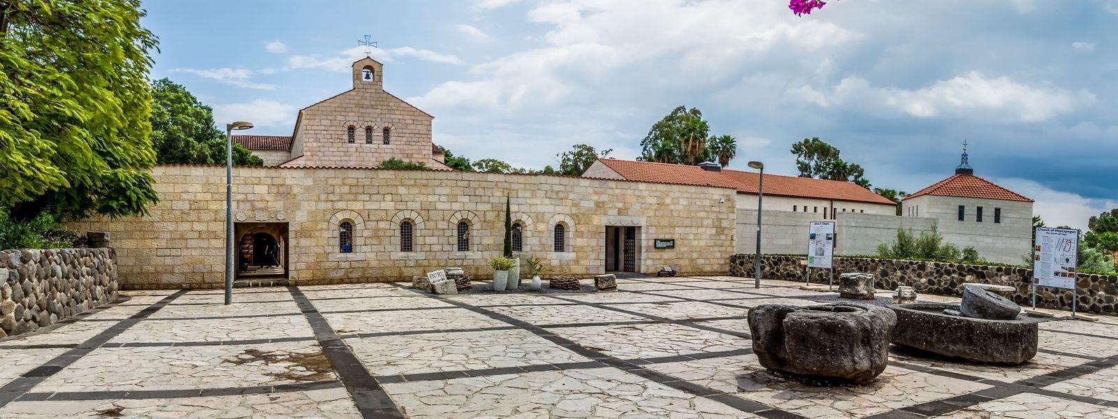 Beinahe unscheinbar: Der heutige Bau der Brotvermehrungskirche wurde zwischen 1980 und 1982 an dem Ort errichtet, an dem bereits im vierten Jahrhundert die erste Erinnerungsstätte entstanden ist.