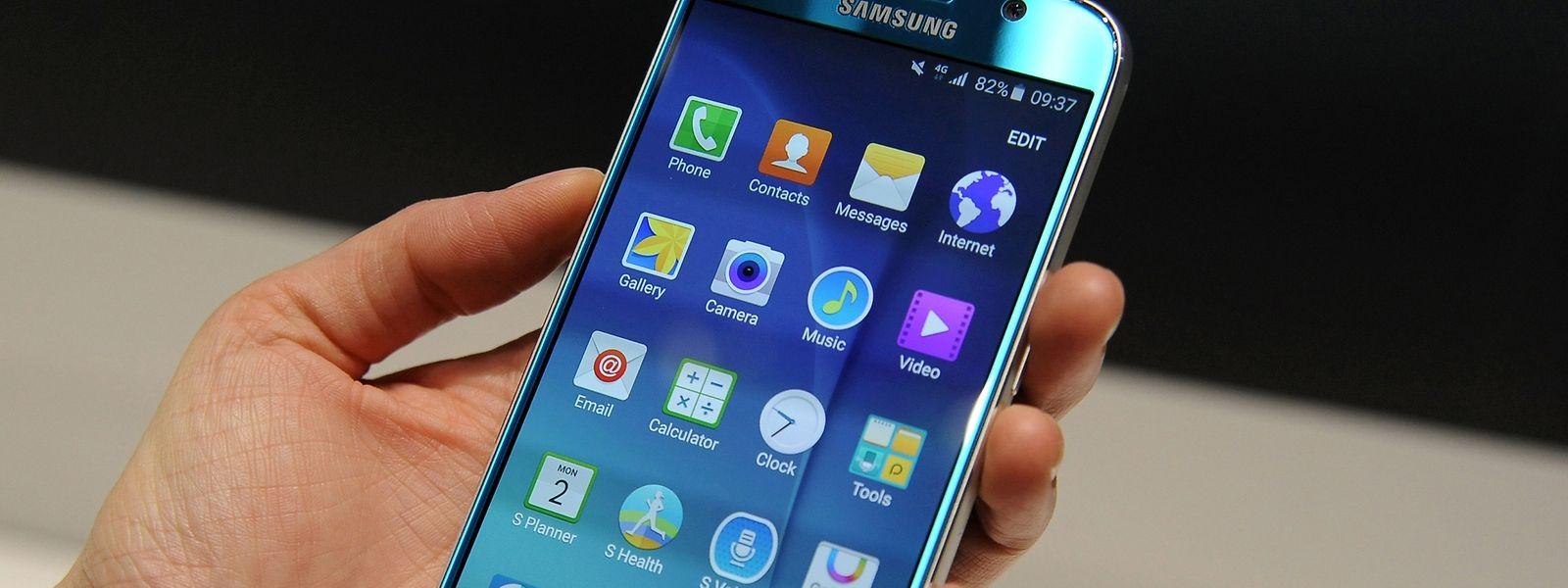 Aktuelle Flaggschiffe wie Samsungs Galaxy S6 sind nicht für jeden erschwinglich. Für deutlich weniger Geld gibt es schon Geräte, die nur wenige Funktionen vermissen lassen.