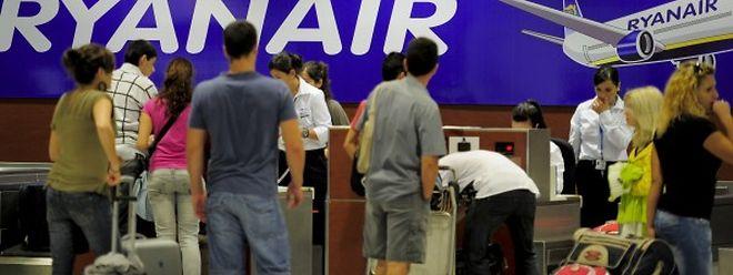 Ryanair will mit der Offensive den etablierten Fluggesellschaften Konkurrenz machen.