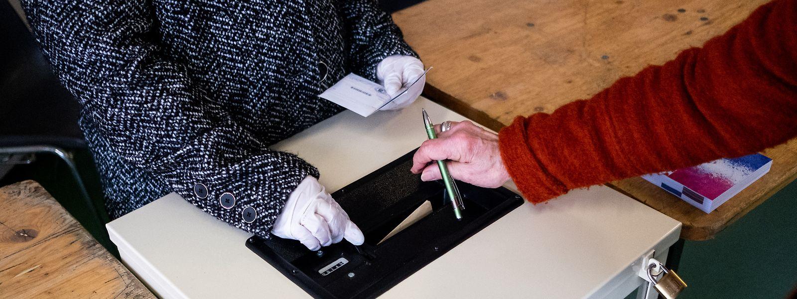 En Lorraine, moins d'un électeur sur deux s'est déplacé au 1er tour des municipales le 15 mars dernier. La peur de l'infection planant sur ce scrutin.