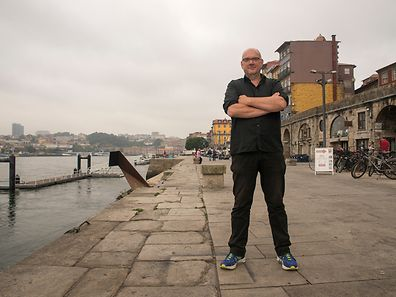 Guy Helminger interview in Porto in the river area, this author was interviewed and visited some local shops.