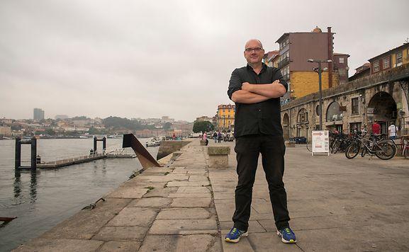 O luxemburguês Guy Helminger escolheu o Porto para estas visitas, organizadas pelo Goethe Institut