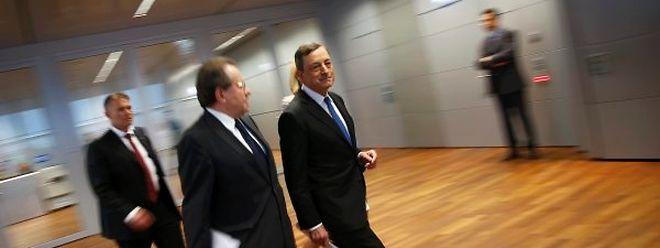 Mario Draghi à son arrivée à la conférence de presse vivement attendue ce jeudi.