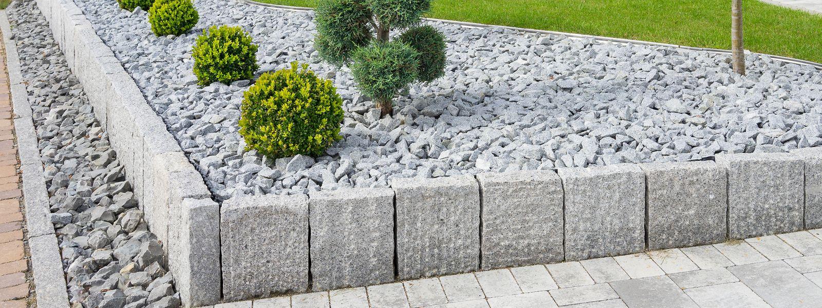 Weder ästhetisch ansprechend noch pflegeleicht – und schon gar nicht umweltfreundlich: Schottergärten stehen zunehmend in der Kritik.