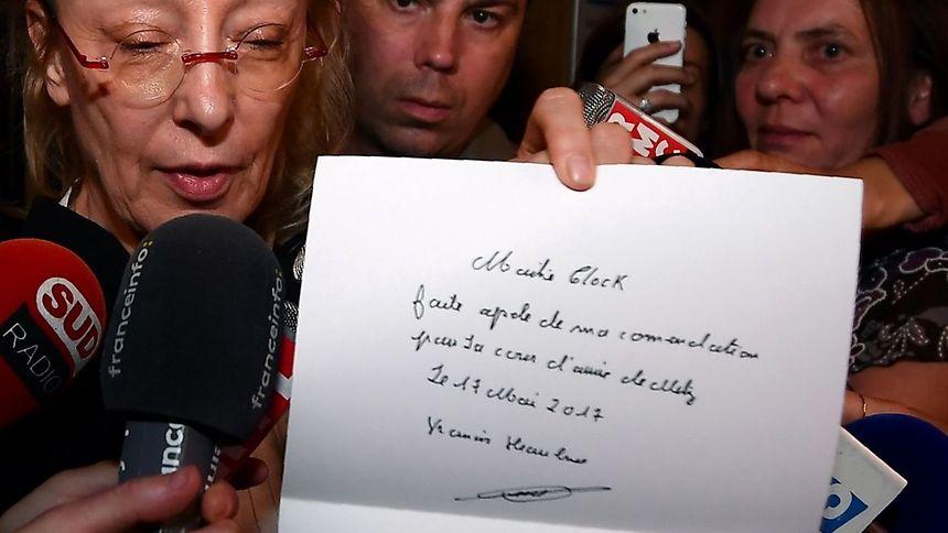 L'avocate de Francis Heaulme, Me Liliane Glock, brandit une lettre de l'accusé demandant de faire appel de sa condamnation à perpétuité dans l'affaire de Montigny-lès-Metz.