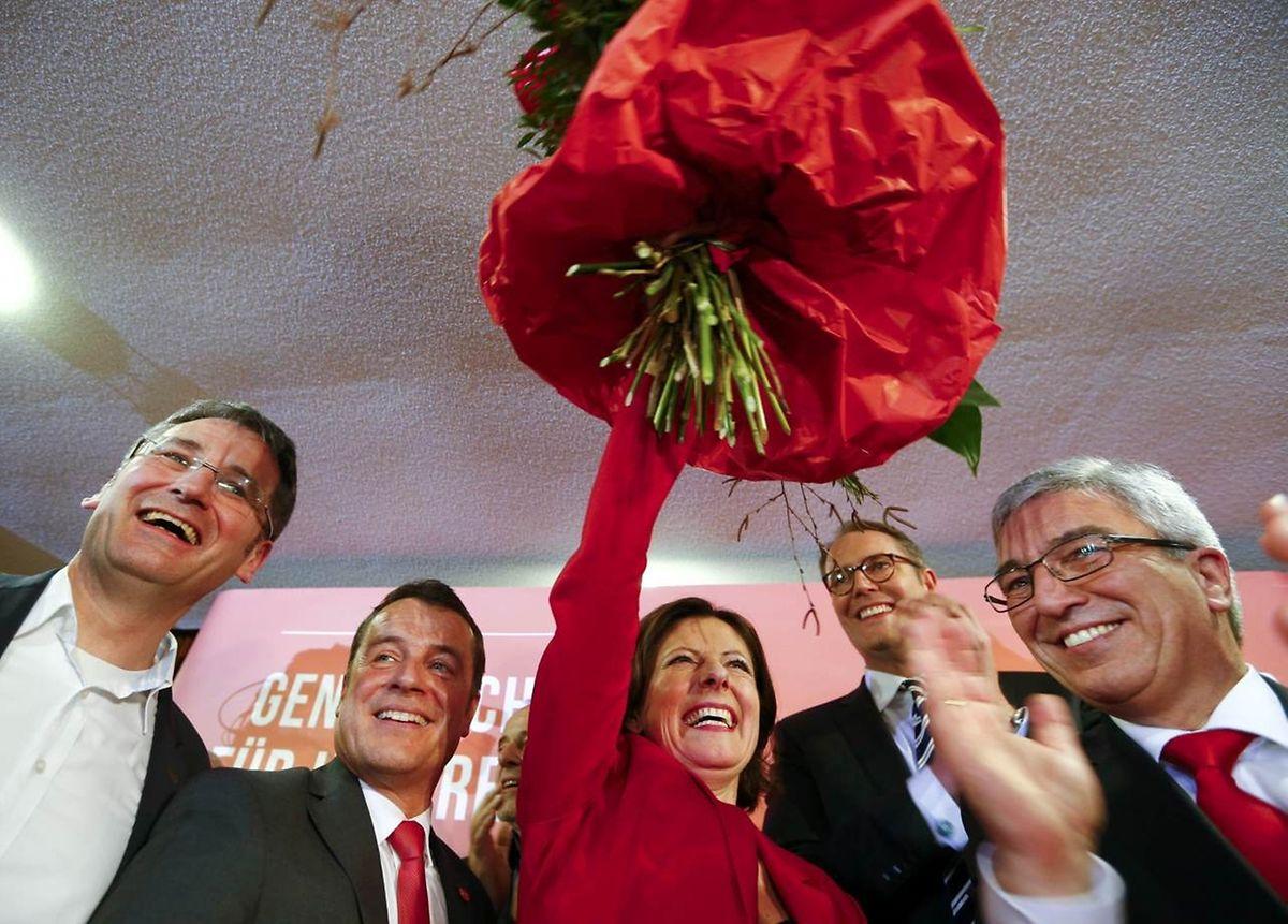 Unglaubliche Aufholjagd für Malu Dreyer (SPD) in Rheinland-Pfalz. Die Sozialdemokratin hat im Endspurt klar gegen CDU-Spitzenkandidatin Julia Klöckner gewonnen.